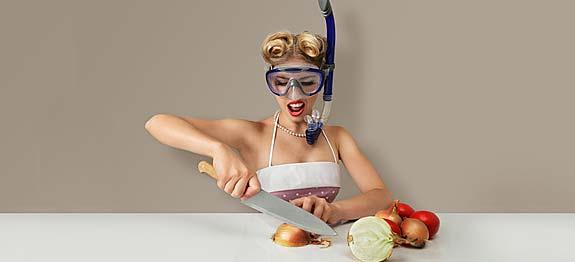 Comment ne pas pleurer en pluchant des oignons les - Comment couper un oignon sans pleurer ...